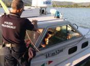 Escono barca lago burrasca. minorenni salvati dalla Polizia Provinciale Sfiorata tragedia Trasimeno