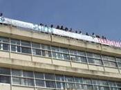 Rossano Avvocati protestano tetto palazzo giusitizia Santo Stefano