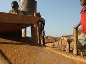Minatori bambini Tanzania riferisce Human Rights Watch