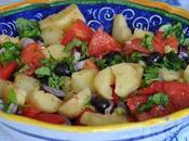 Insalata patate, olive nere, cuori cipolla rossa Tropea.