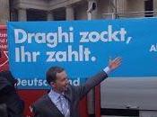 protesta degli euroscettici contro Draghi