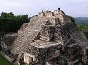 Caracol, città Maya riscoperta cielo