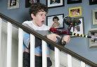 "Primo sguardo ""Modern Family Luke resta casa solo"