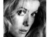 "Catherine Deneuve compie anni: sento audace come ventenne"""