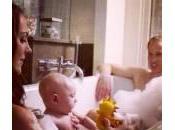 Kate Middleton, sosia della Famiglia Reale fanno bagnetto insieme: foto