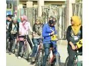 """Egitto, donne contro discriminazione sfidano società: """"Andremo bicicletta"""""""