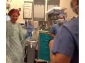 Flash della madre sala operatoria prima doppia mastectomia (Video)