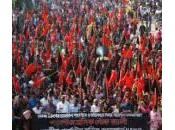 Bangladesh, rivolta operai: rabbia contro salari bassi condizioni disumane