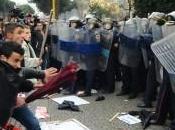 Guerriglia urbana tirana: almeno morti