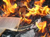 """protesta """"Forconi"""" volevano bruciare libri rima con..."""