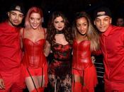 Selena Gomez esibisce Jingle Ball