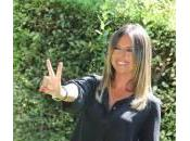 """Paola Perego labbra canotto, salvare immigrati"": così lady Mentana"