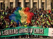 L'Uruguay paese dell'anno. Cresce ottiene riforme eclatanti tempi brevi: legalizzazioni austerity alternativa, verso progresso.