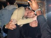 party Britney Spears stella Miley Cyrus regala effusioni amorose Kellan Lutz altri!