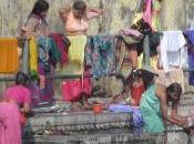 Sulle rive Gange, seduta