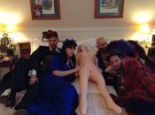 Come fossi bambola: Angelo Orazio Pregoni conquista Room Service