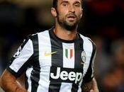 Juve: Vucinic Valencia trattativa Osvaldo