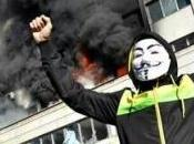 BOSNIA: Assedio alle istituzioni, bruciano Sarajevo Tuzla