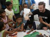 David Beckham nelle Filippine l'Unicef