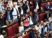 Espulsione dissidenti Stelle: scoppia bagarre, dimissioni contestazioni