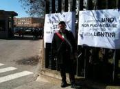 Siracusa: sindaco Lentini Alfio Mangiameli incatena davanti Tribunale protesta