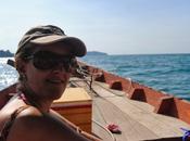 Giocare fare Robinson Crusoe sull'isola Russei, Cambogia