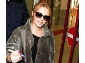 Kylie Minogue firma autografi Berlino (foto)