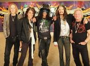 AEROSMITH Slash raggiunge palco Whisky (video)