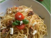 idee geniali dell'ultimo minuto: Spaghetti doppio pomodoro crema feta