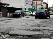 Video. Spazzatura buche, ecco contro-video Happy from Naples…