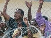 Pozzallo: migranti fuga centri accoglienza, Sicilia abbandonata fronteggiare immigrazione