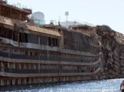 """Costa Concordia, Legambiente: smaltire d'olio pesante altre sostanze inquinanti"""""""