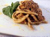 Bucatini fatti casa pesto olive, mandorle pomodorini