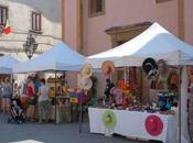 Mercatino prodotti tipici dell'artigianato Market Local Products Crafts