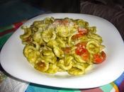 Orecchiette fatte casa salsa rucola, mandorle pomodorini