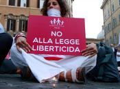 Otto validi motivi contro legge sull'omofobia