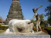 Sincretismo confine: Buddha Park Thailandia Laos
