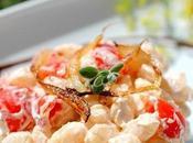 Malloreddus pomodorini, caprino cipolle caramellate