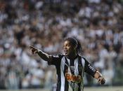 Ronaldinho: Santos subito?