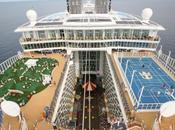 Arriva Napoli nave crociera grande Mondo
