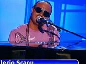 Valerio Scanu imita Stevie Wonder (Video)