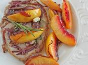 Braciola maiale alle pesche cipolla Steak with peaches onion