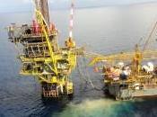 """Sicilia, Greenpeace occupa piattaforma estrazione idrocarburi: """"Stop alle trivellazioni"""""""