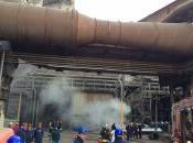 Incendio all'acciaieria Arvedi, giorno mezzo lavoro vigili fuoco