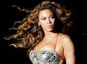 Beyoncé: anno album sorpresa ricchissima Platinum Edition