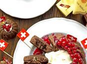 Cake salato cacao amaro Emmentaler gelatina ribes rossi formaggio servizio