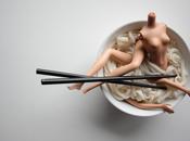 Piccole ossessioni: Barbie assassine, omicidi plastica scene erotiche bambolotti