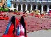 novembre 2014: giornata tinge rosso sangue delle vittime femminicidio