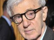 Amazon sfida Netflix: Woody Allen girerà serie televisiva servizio Prime