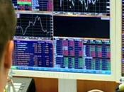 Piazza Affari, titoli bancari sofferenza